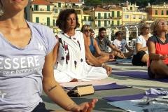 4-essere-free-yoga-gratuito-benessere-per-tutti-village-citta-alassio-estate-lucia-ragazzi-summer-town-wellness-113-bis