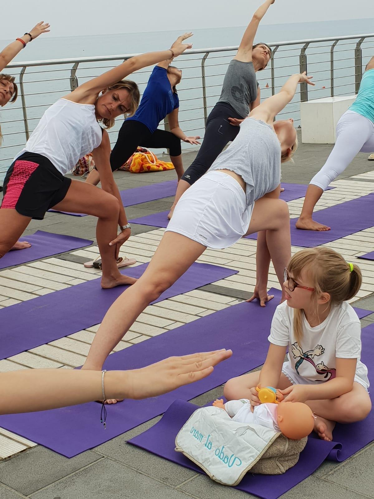 essere-free-yoga-gratuito-benessere-per-tutti-village-citta-alassio-estate-lucia-ragazzi-summer-town-wellness-121