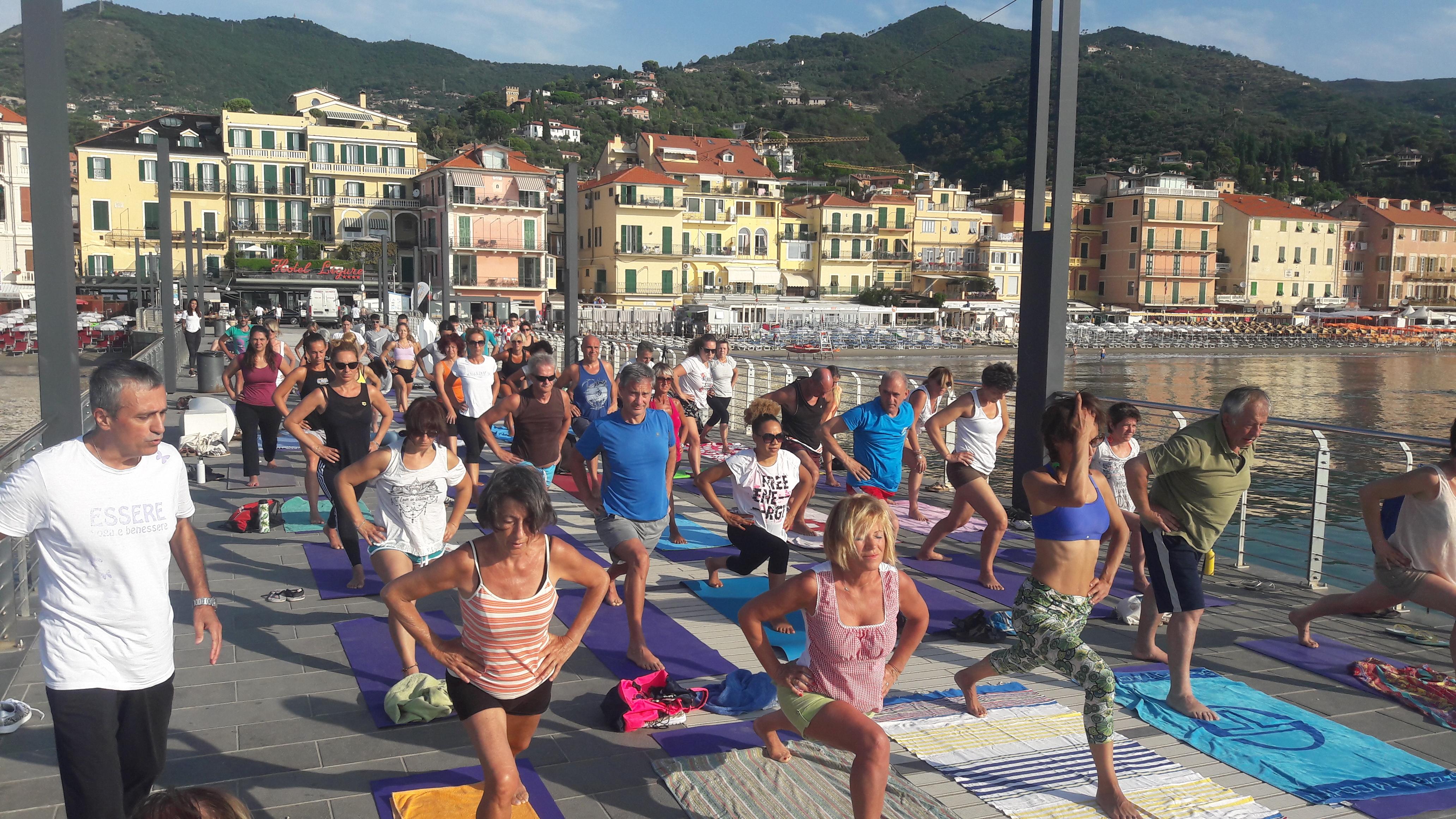 essere-free-yoga-gratuito-benessere-per-tutti-village-citta-alassio-estate-lucia-ragazzi-summer-town-wellness-34
