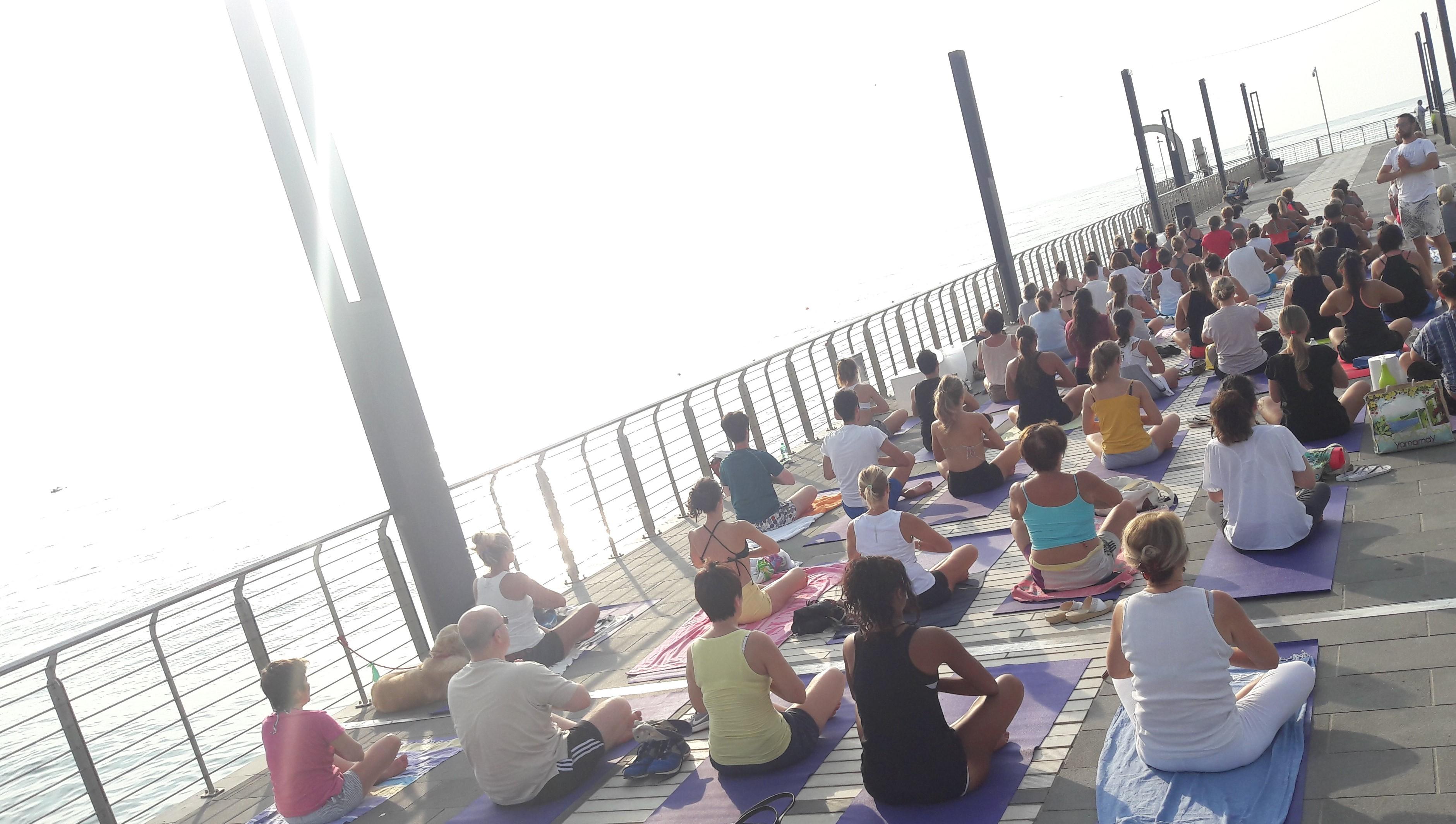 essere-free-yoga-gratuito-benessere-per-tutti-village-citta-alassio-estate-lucia-ragazzi-summer-town-wellness-35