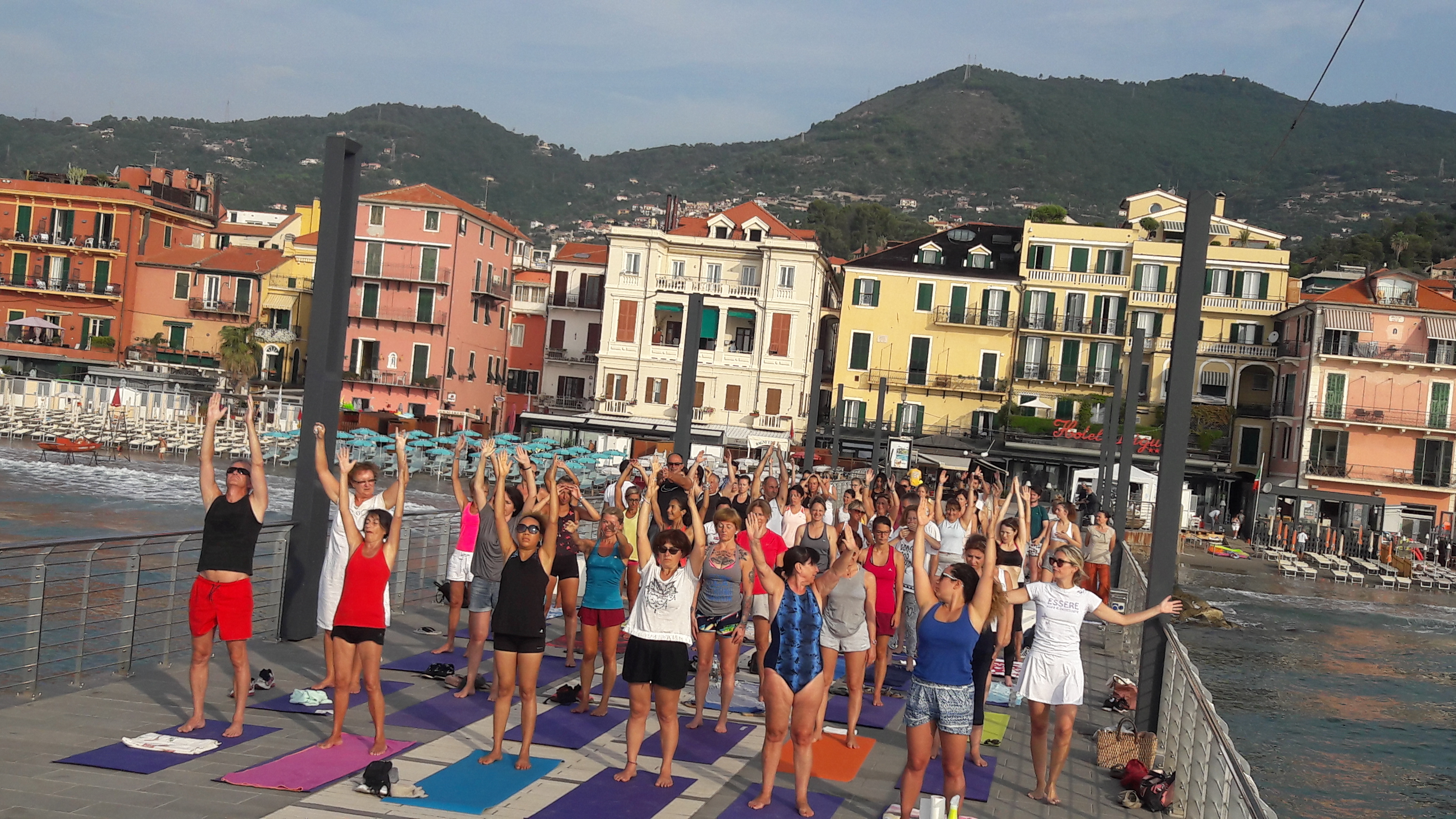 essere-free-yoga-gratuito-benessere-per-tutti-village-citta-alassio-estate-lucia-ragazzi-summer-town-wellness-40
