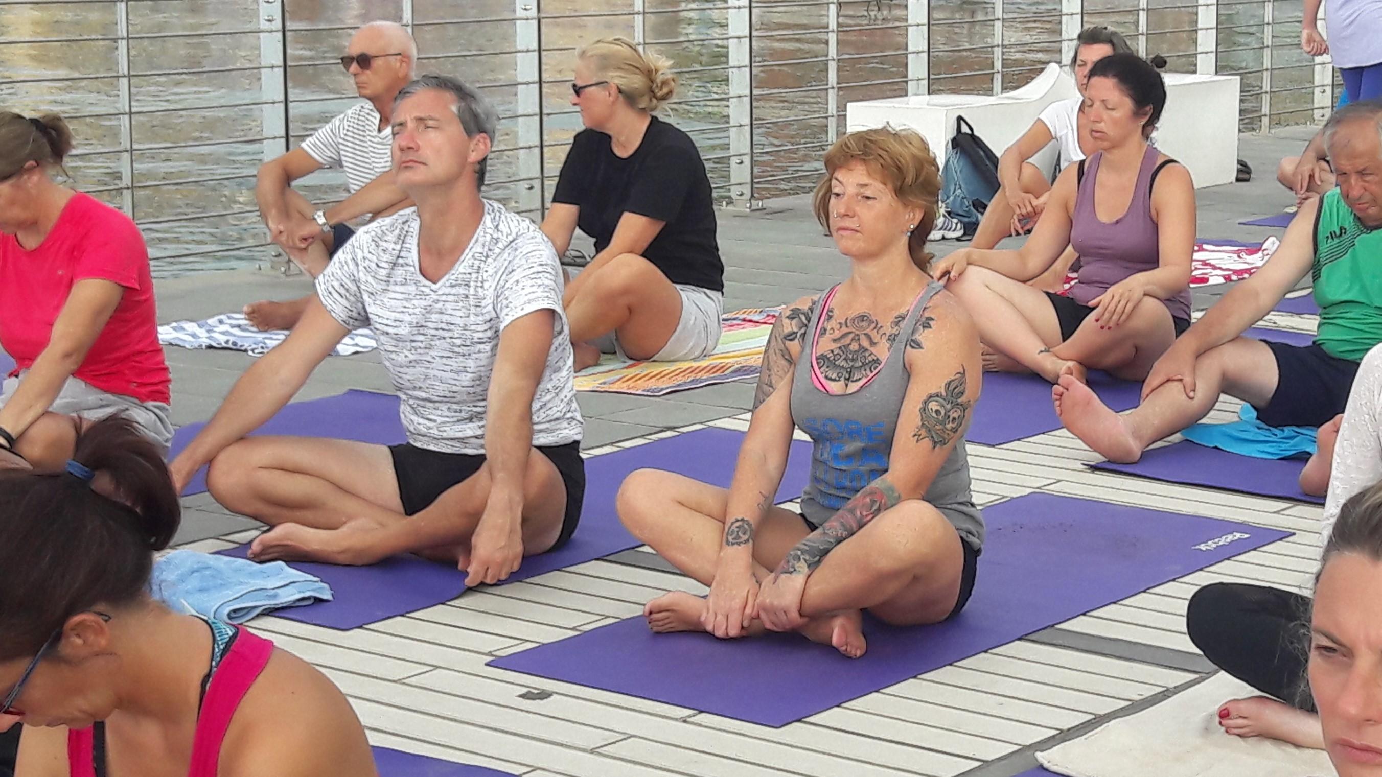 essere-free-yoga-gratuito-benessere-per-tutti-village-citta-alassio-estate-lucia-ragazzi-summer-town-wellness-45