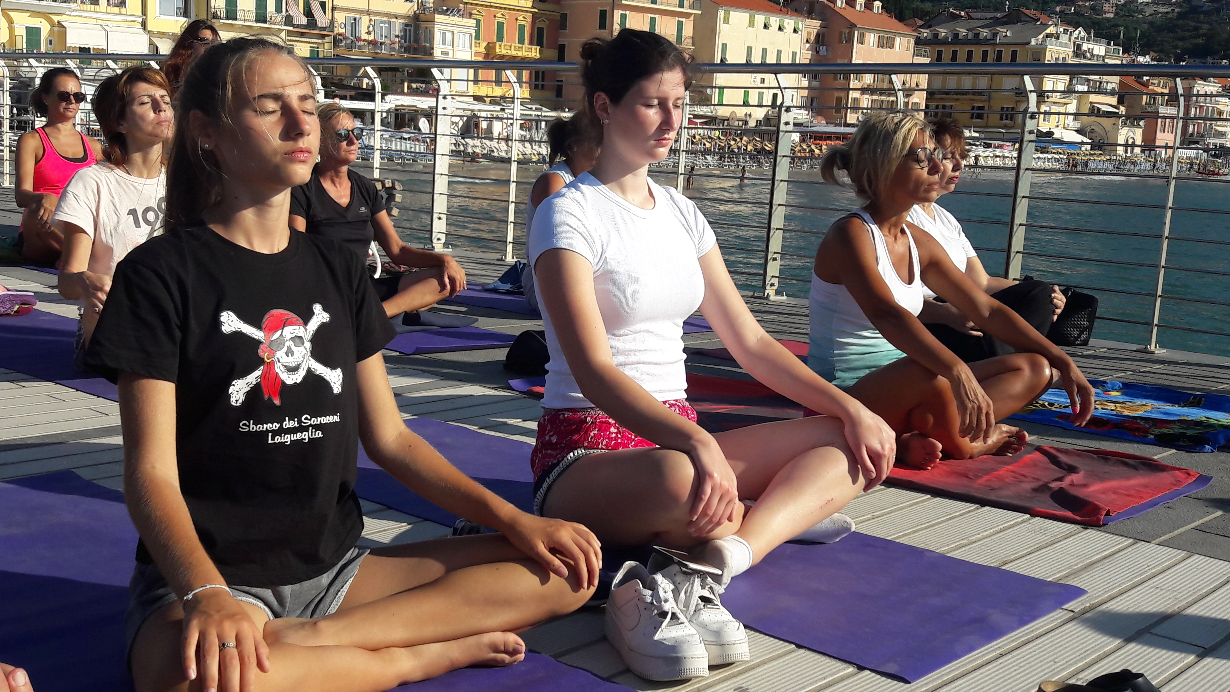 essere-free-yoga-gratuito-benessere-per-tutti-village-citta-alassio-estate-lucia-ragazzi-summer-town-wellness-70