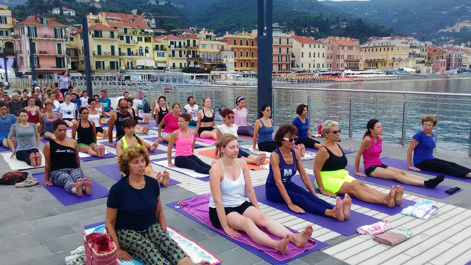 essere-free-yoga-gratuito-benessere-per-tutti-village-citta-alassio-estate-lucia-ragazzi-summer-town-wellness-78