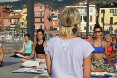 1_essere-free-yoga-gratuito-benessere-per-tutti-village-citta-alassio-estate-lucia-ragazzi-summer-town-wellness-106