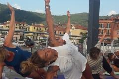 essere-free-yoga-gratuito-benessere-per-tutti-village-citta-alassio-estate-lucia-ragazzi-summer-town-wellness-99