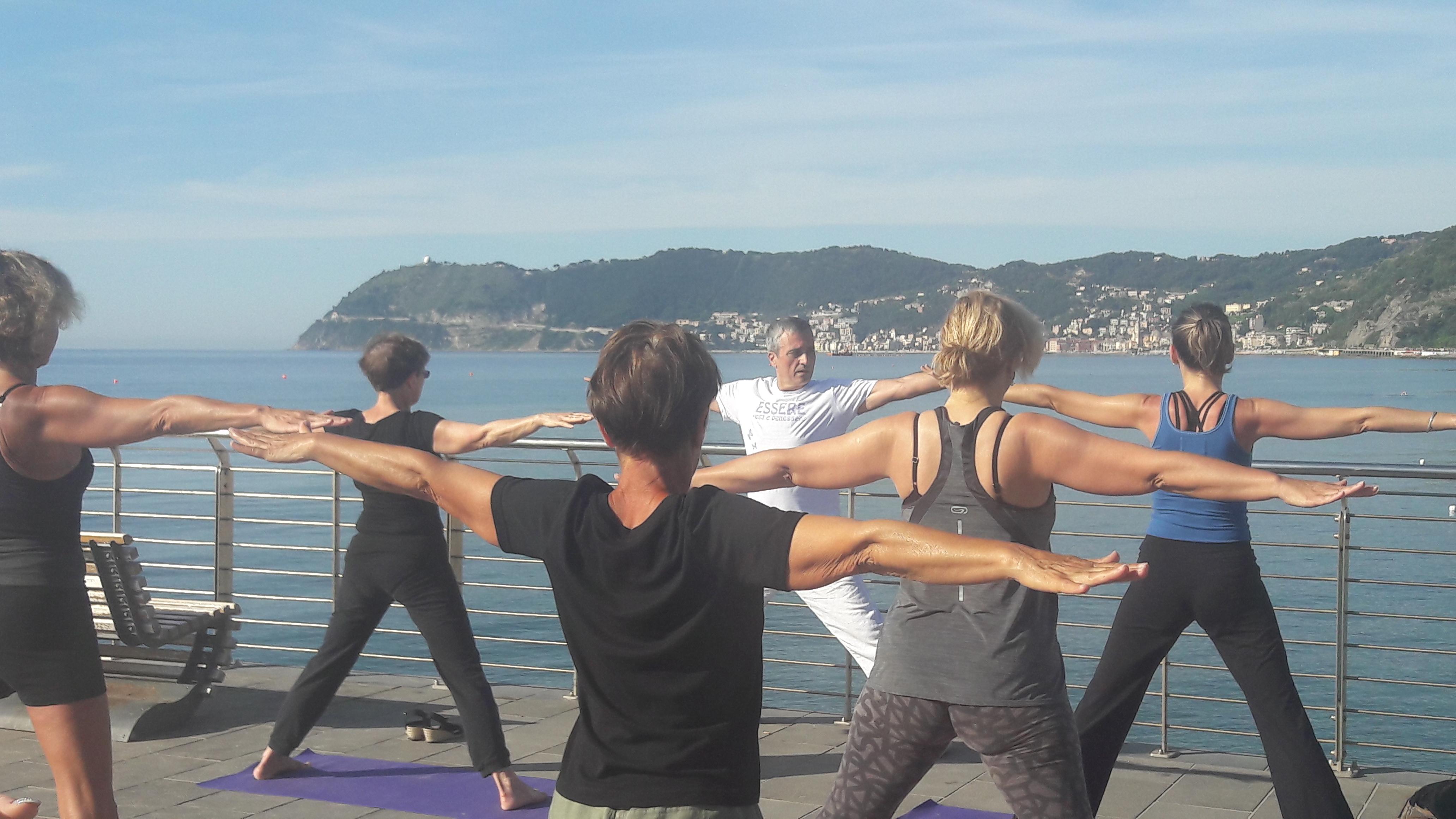 1_essere-free-yoga-gratuito-benessere-per-tutti-village-citta-alassio-estate-lucia-ragazzi-summer-town-wellness-003