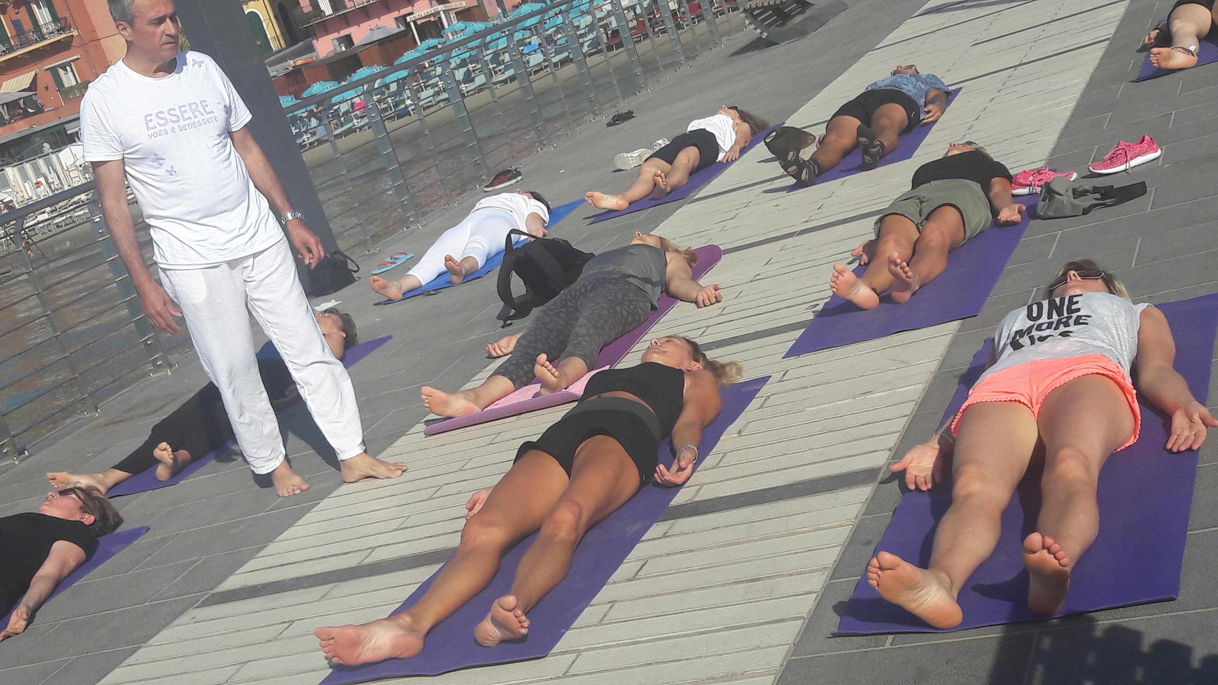 1_essere-free-yoga-gratuito-benessere-per-tutti-village-citta-alassio-estate-lucia-ragazzi-summer-town-wellness-005