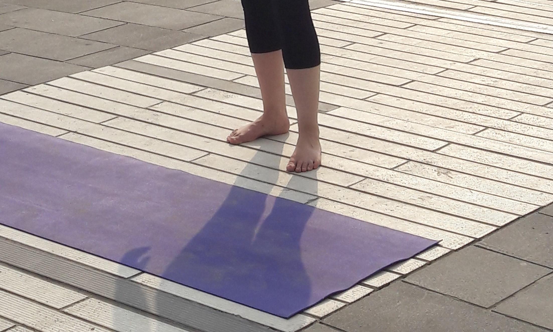 1_essere-free-yoga-gratuito-benessere-per-tutti-village-citta-alassio-estate-lucia-ragazzi-summer-town-wellness-016