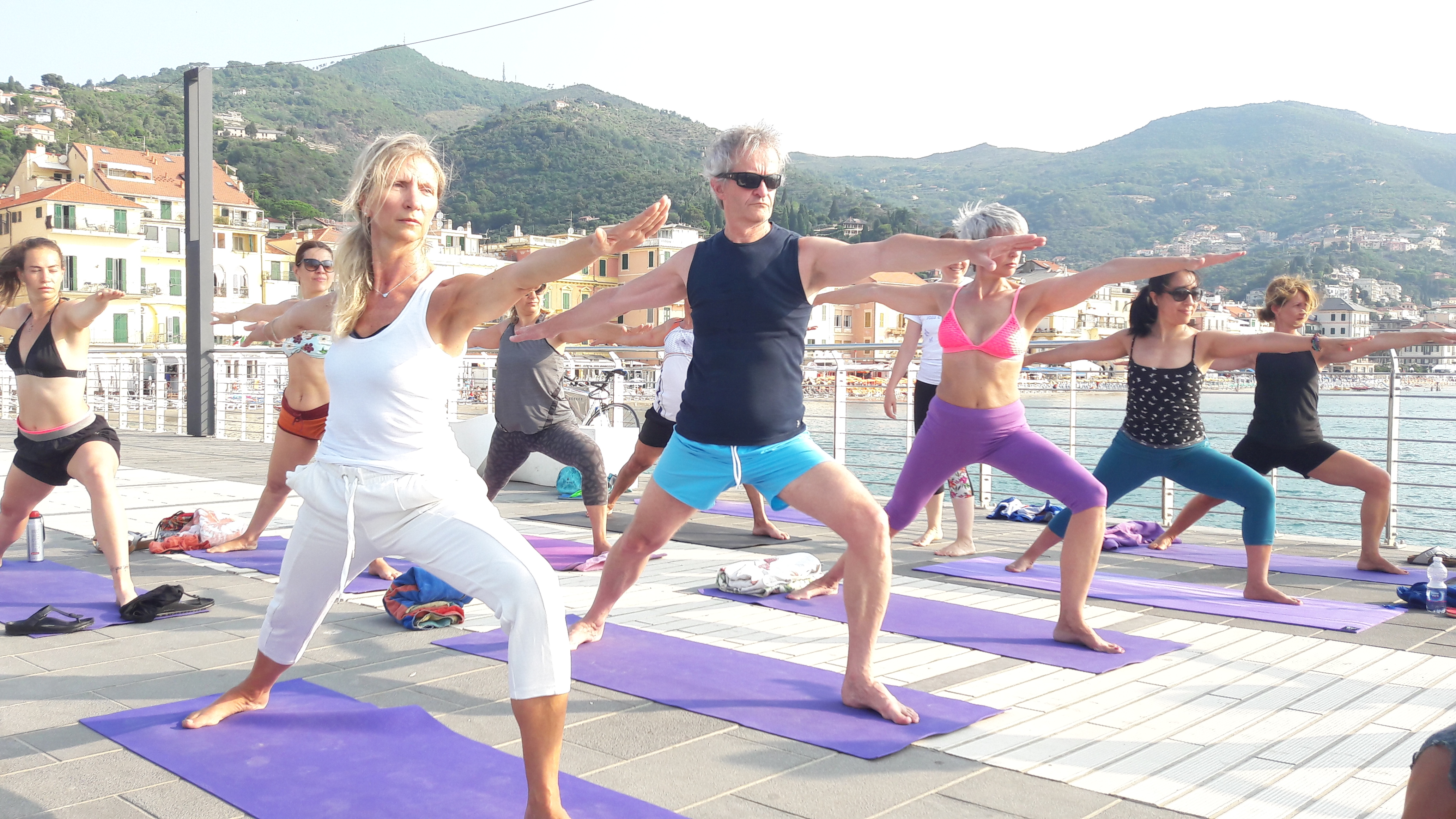1_essere-free-yoga-gratuito-benessere-per-tutti-village-citta-alassio-estate-lucia-ragazzi-summer-town-wellness-028