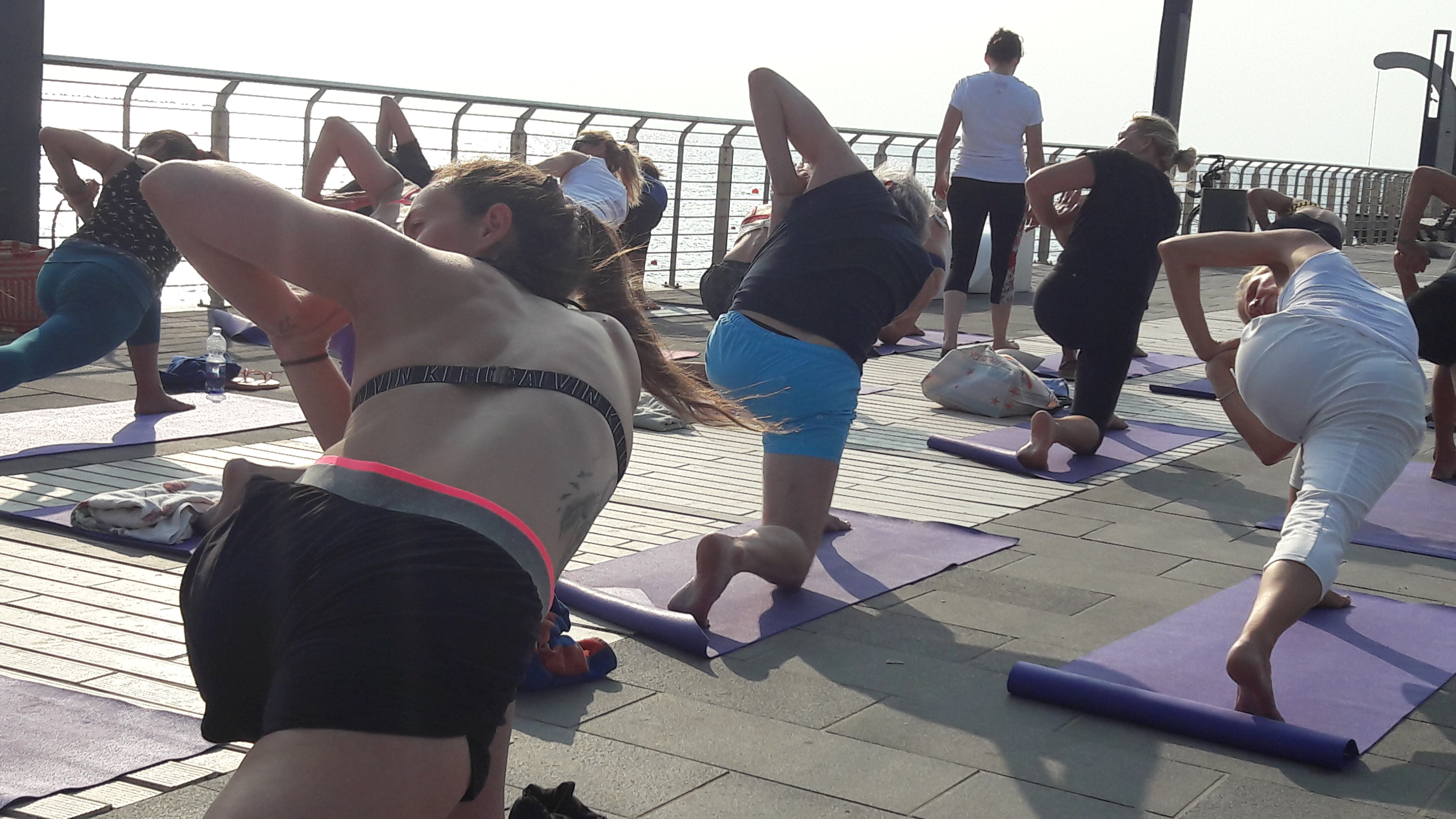 1_essere-free-yoga-gratuito-benessere-per-tutti-village-citta-alassio-estate-lucia-ragazzi-summer-town-wellness-032