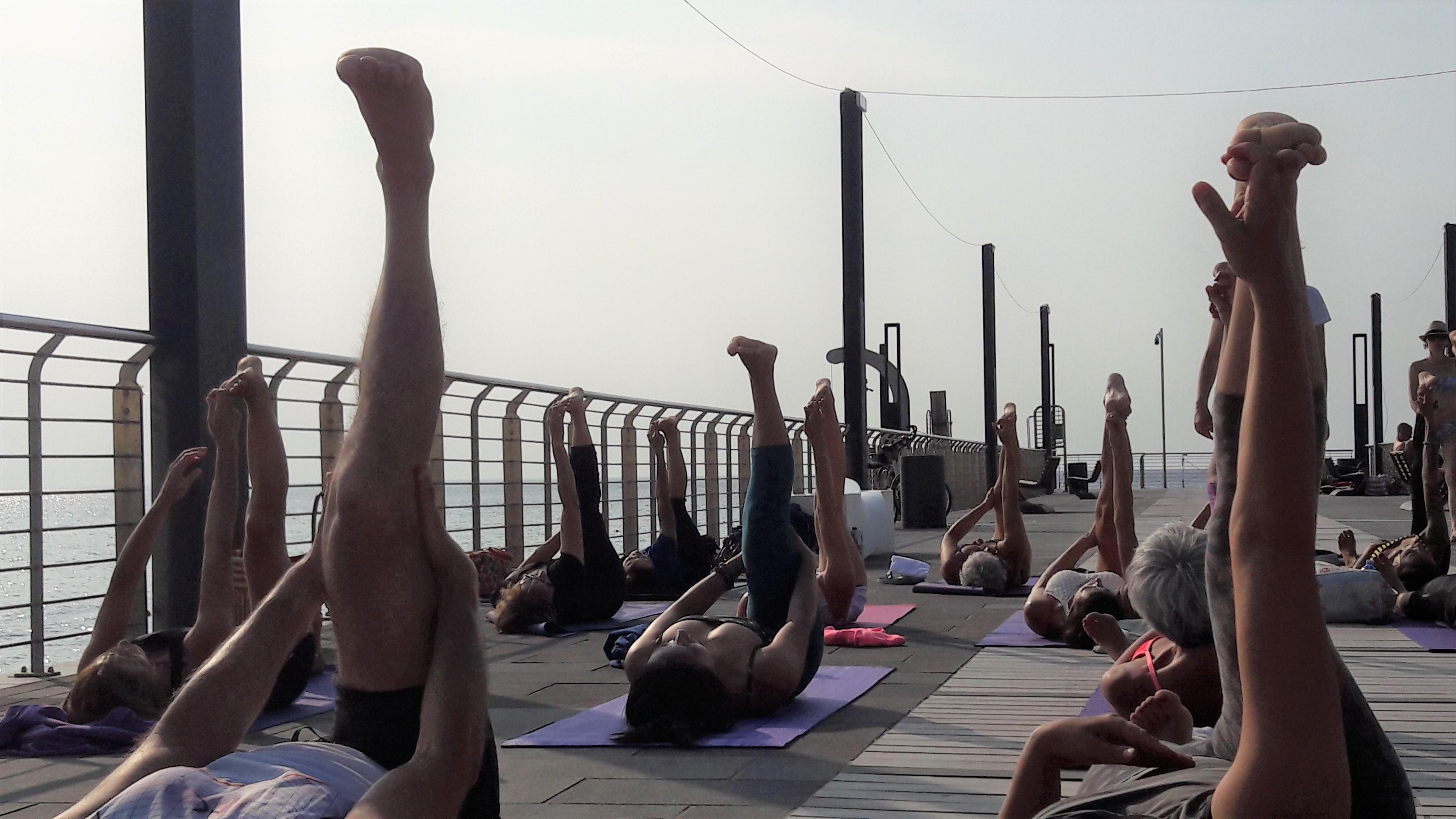 1_essere-free-yoga-gratuito-benessere-per-tutti-village-citta-alassio-estate-lucia-ragazzi-summer-town-wellness-035