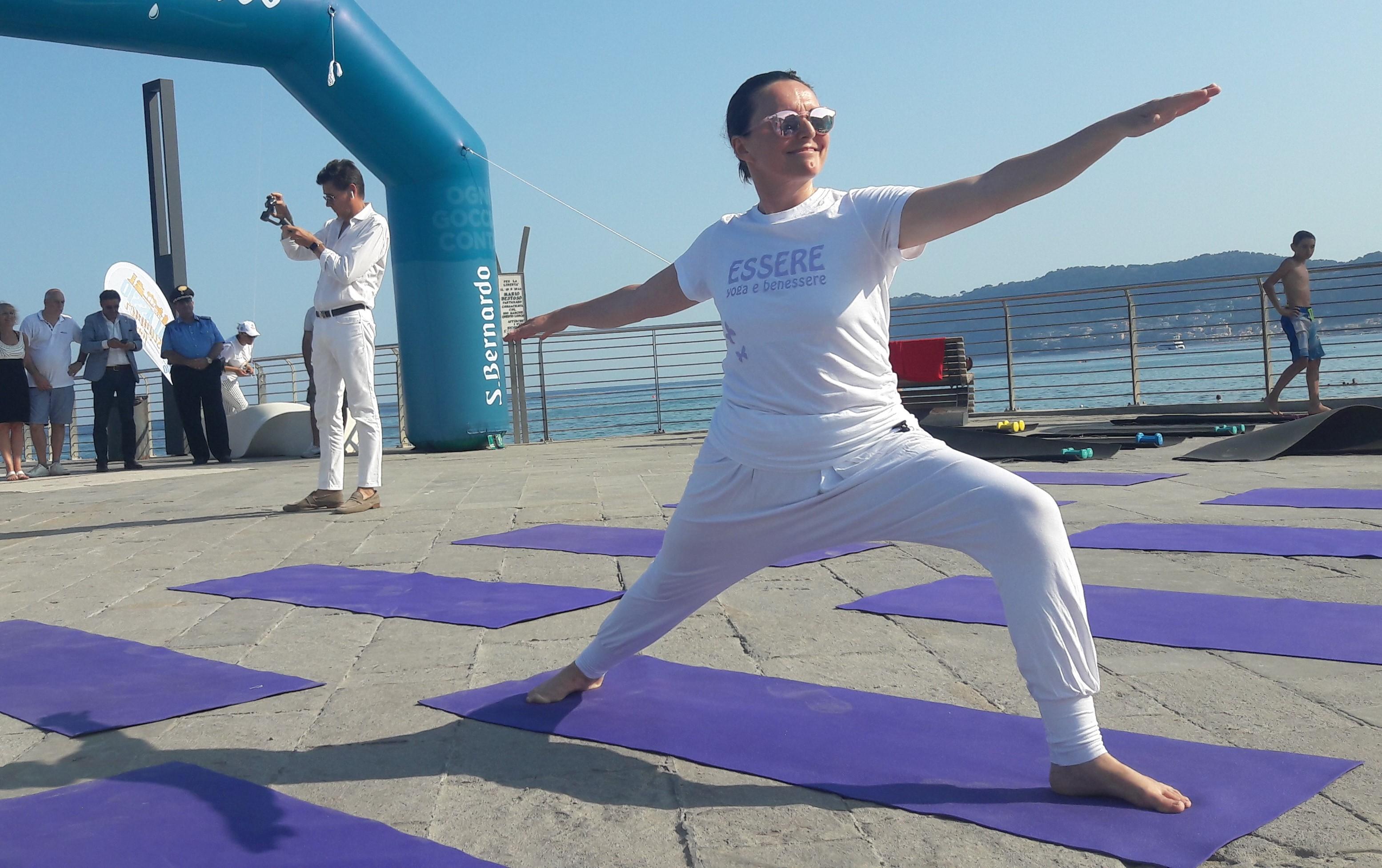 1_essere-free-yoga-gratuito-benessere-per-tutti-village-citta-alassio-estate-lucia-ragazzi-summer-town-wellness-039