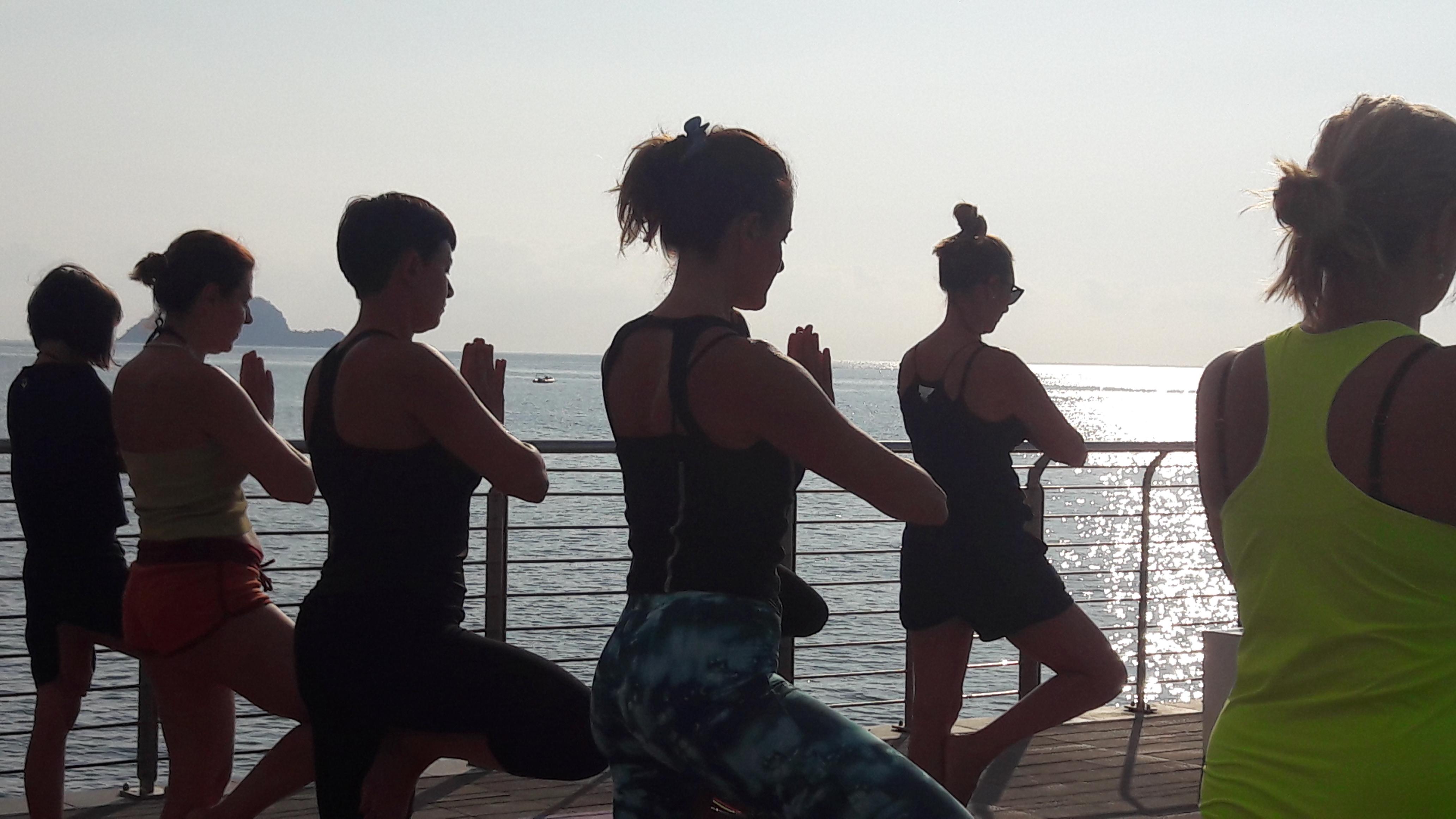 1_essere-free-yoga-gratuito-benessere-per-tutti-village-citta-alassio-estate-lucia-ragazzi-summer-town-wellness-051