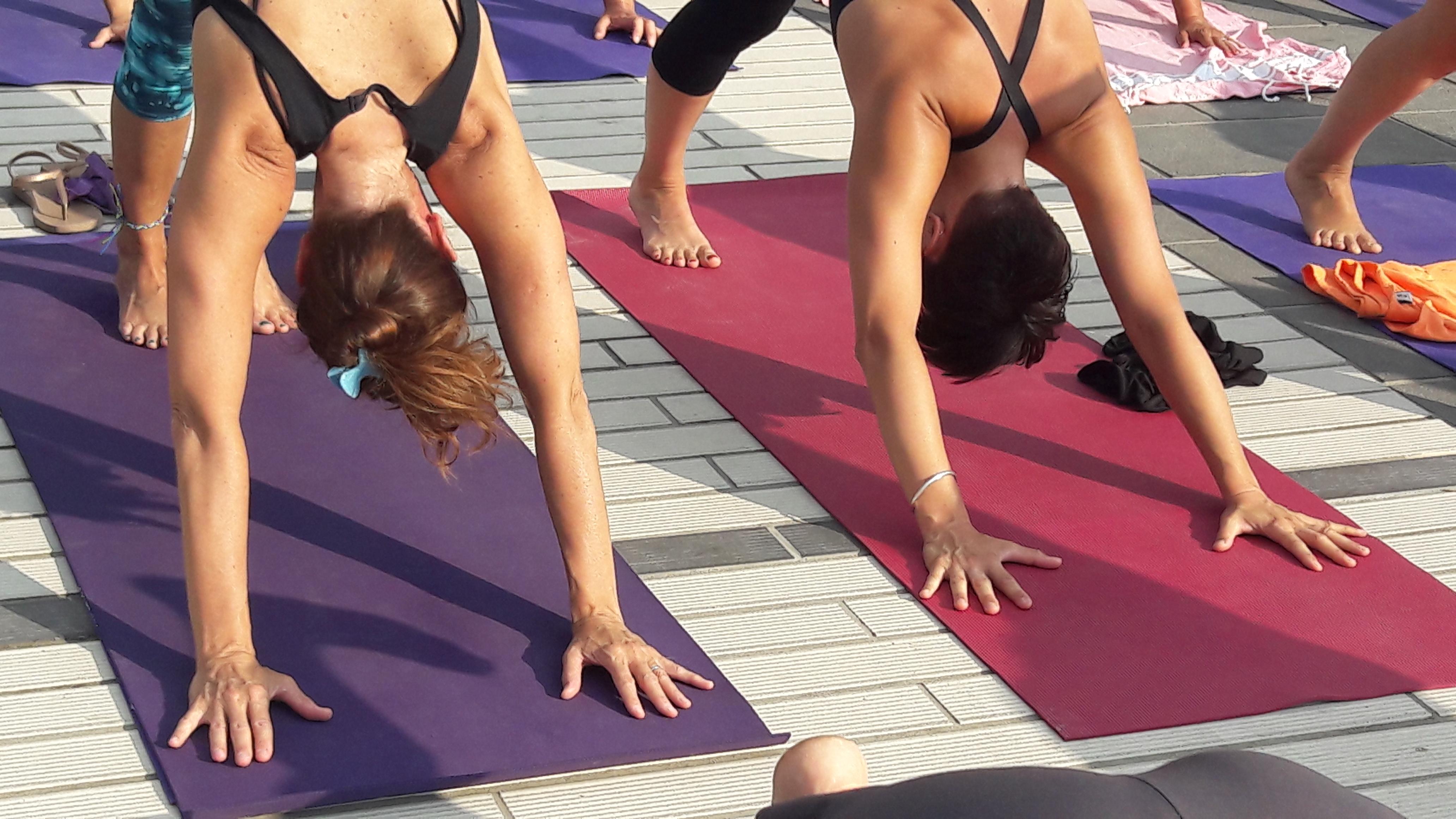 1_essere-free-yoga-gratuito-benessere-per-tutti-village-citta-alassio-estate-lucia-ragazzi-summer-town-wellness-059