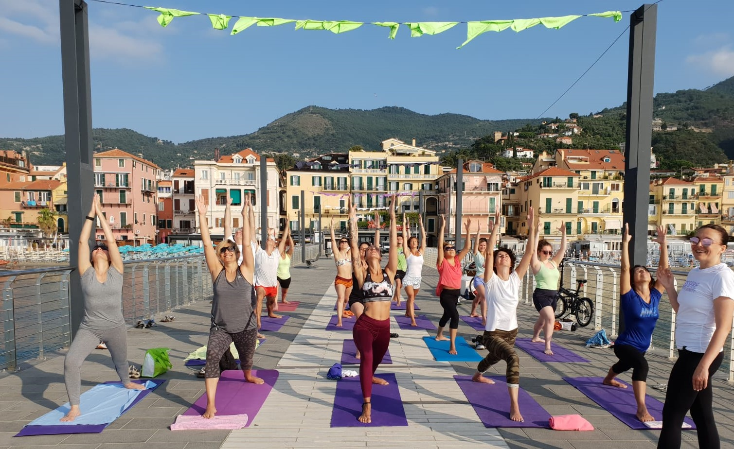 1_essere-free-yoga-gratuito-benessere-per-tutti-village-citta-alassio-estate-lucia-ragazzi-summer-town-wellness-080