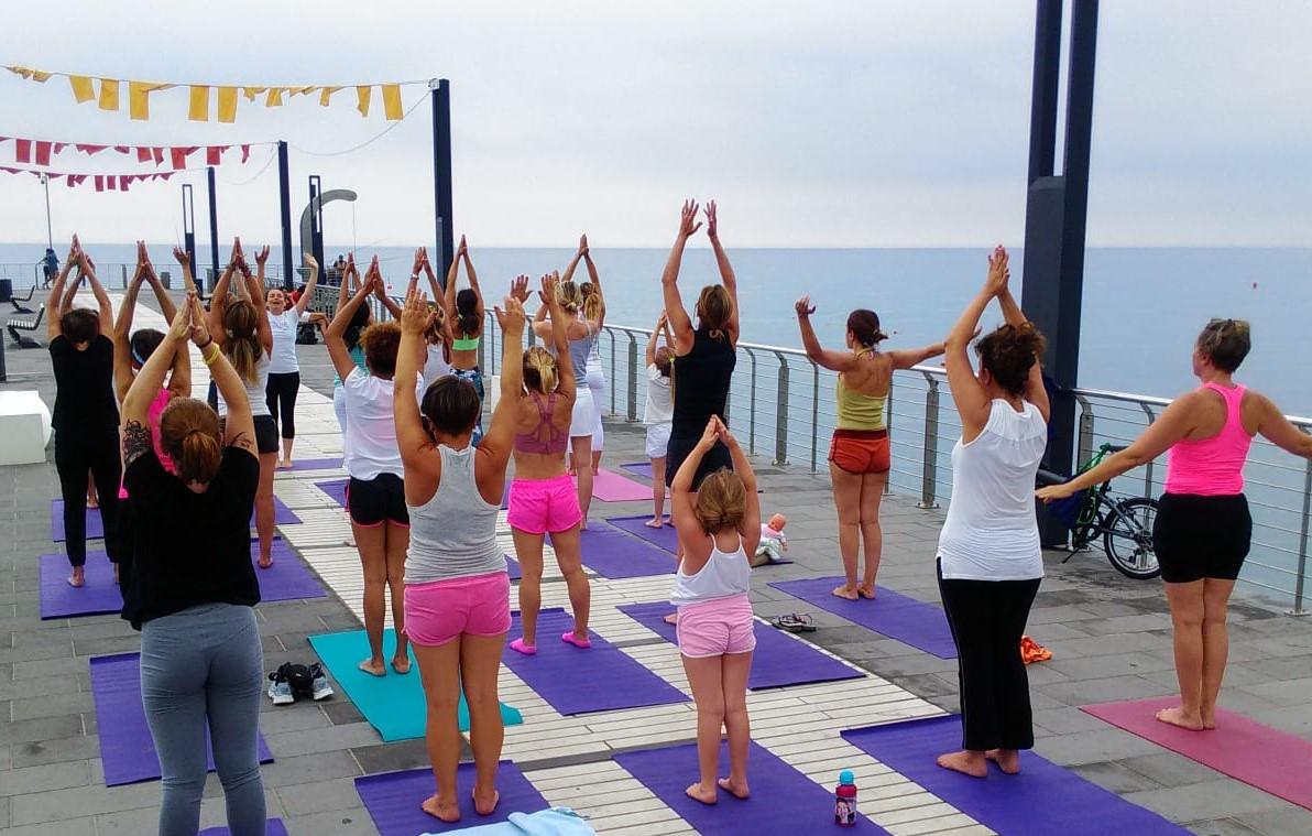 1_essere-free-yoga-gratuito-benessere-per-tutti-village-citta-alassio-estate-lucia-ragazzi-summer-town-wellness-083