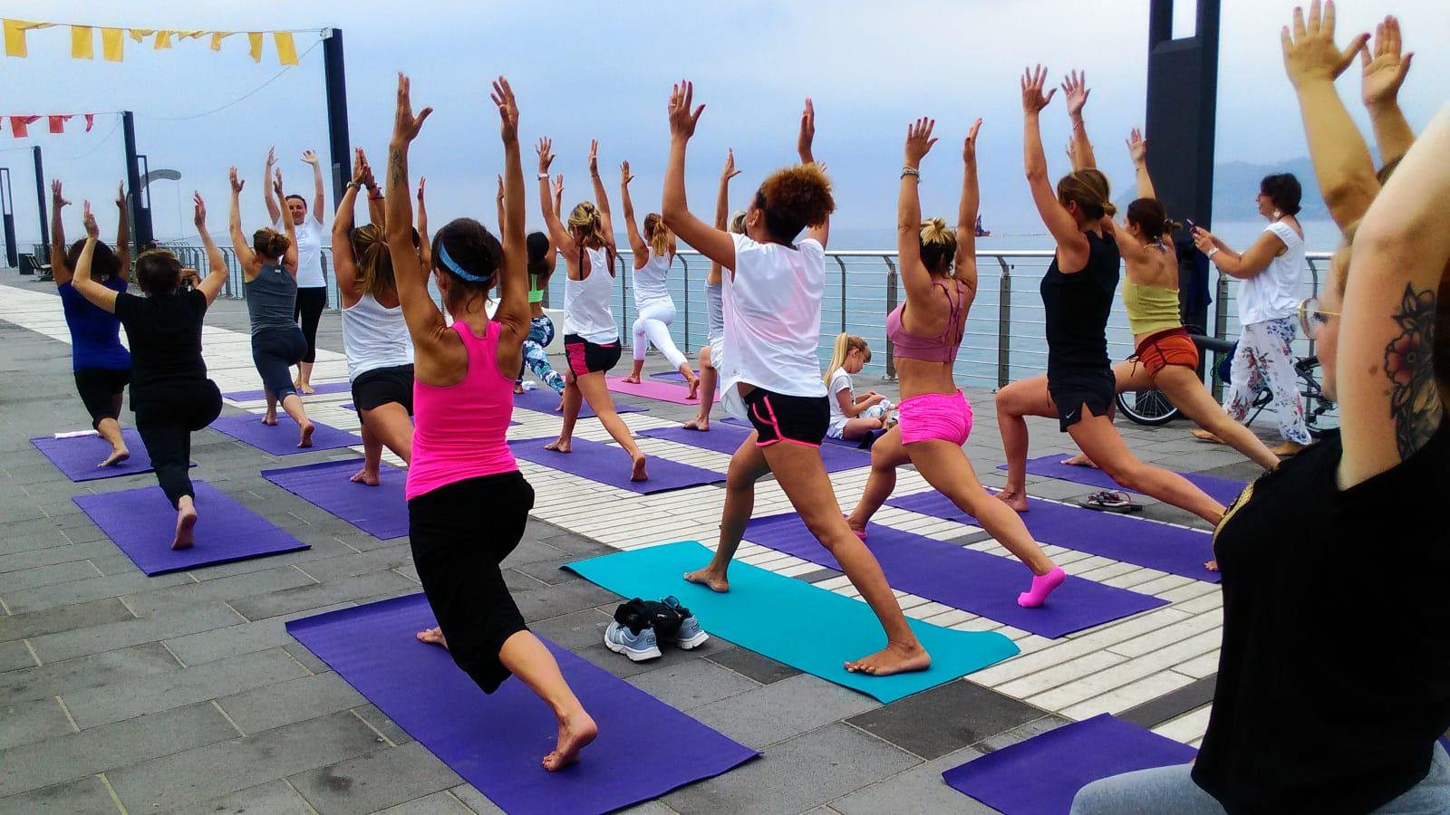 1_essere-free-yoga-gratuito-benessere-per-tutti-village-citta-alassio-estate-lucia-ragazzi-summer-town-wellness-084
