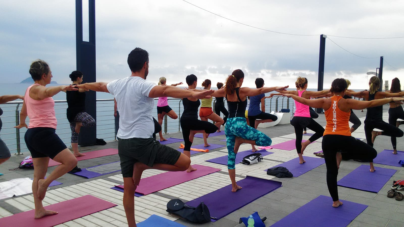 1_essere-free-yoga-gratuito-benessere-per-tutti-village-citta-alassio-estate-lucia-ragazzi-summer-town-wellness-091