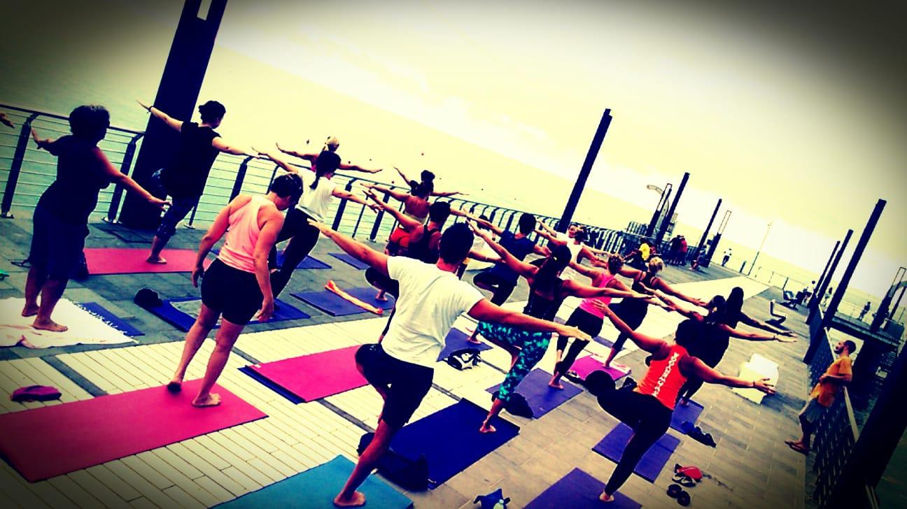 1_essere-free-yoga-gratuito-benessere-per-tutti-village-citta-alassio-estate-lucia-ragazzi-summer-town-wellness-093