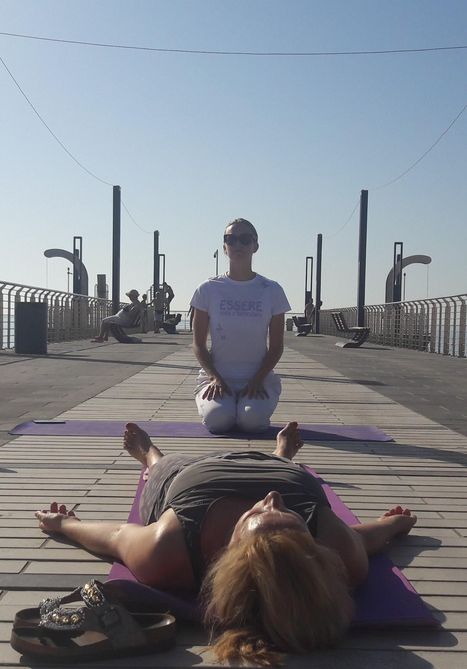 essere-free-yoga-gratuito-benessere-per-tutti-village-citta-alassio-estate-lucia-ragazzi-summer-town-wellness-011