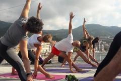 1_essere-free-yoga-gratuito-benessere-per-tutti-village-citta-alassio-estate-lucia-ragazzi-summer-town-wellness-055