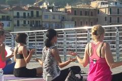 essere-free-yoga-gratuito-benessere-per-tutti-village-citta-alassio-estate-lucia-ragazzi-summer-town-wellness-065