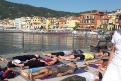 essere-free-yoga-gratuito-benessere-per-tutti-village-citta-alassio-estate-lucia-ragazzi-summer-town-wellness-8