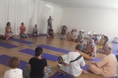 essere-free-yoga-gratuito-benessere-per-tutti-village-citta-alassio-estate-lucia-ragazzi-summer-town-bhakti-guru-swami-2