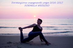 Yoga-mare-alassio-lucia-ragazzi-centro-essere-yoga-e-benessere