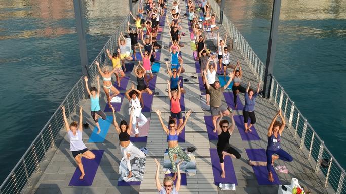 -essere-free-yoga-gratuito-benessere-per-tutti-village-citta-alassio-estate-lucia-ragazzi-summer-town-wellness-