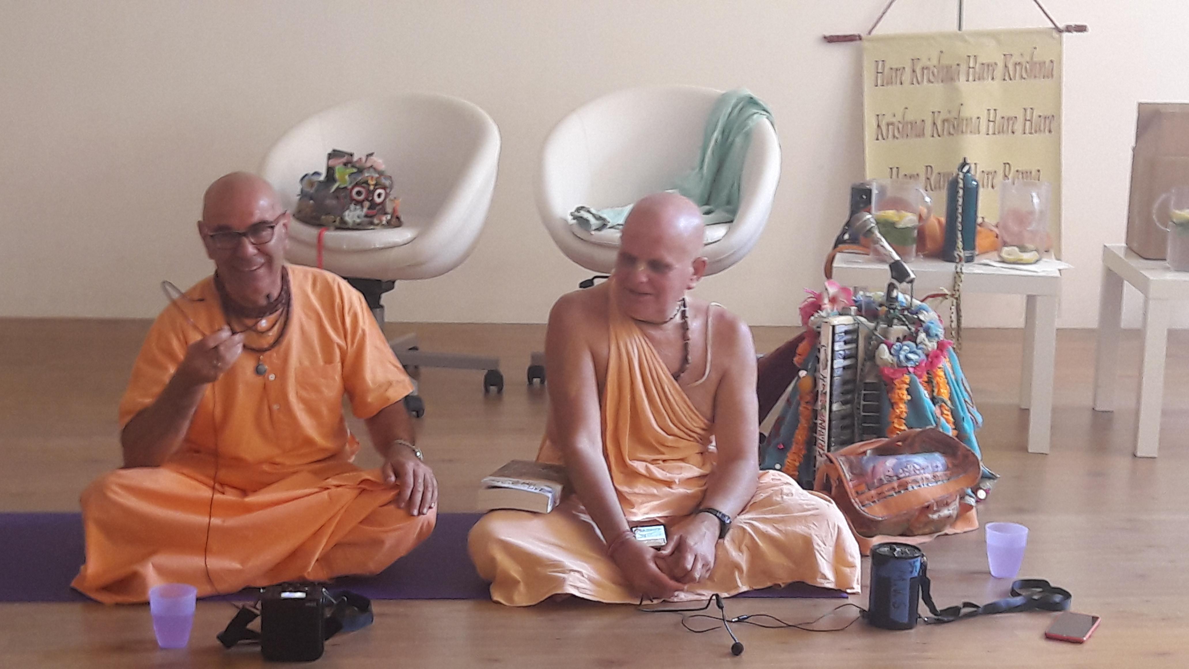 essere-free-yoga-gratuito-benessere-per-tutti-village-citta-alassio-estate-lucia-ragazzi-summer-town-bhakti-guru-swami