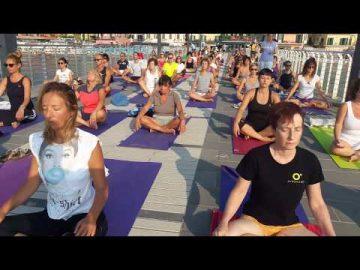 yoga sul molo - Free Yoga Village - Alassio 2019 - Essere Yoga e Benessere - Lucia Ragazzi