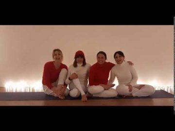 buon natale yoga - insieme ci vogliamo più bene yeahhhh