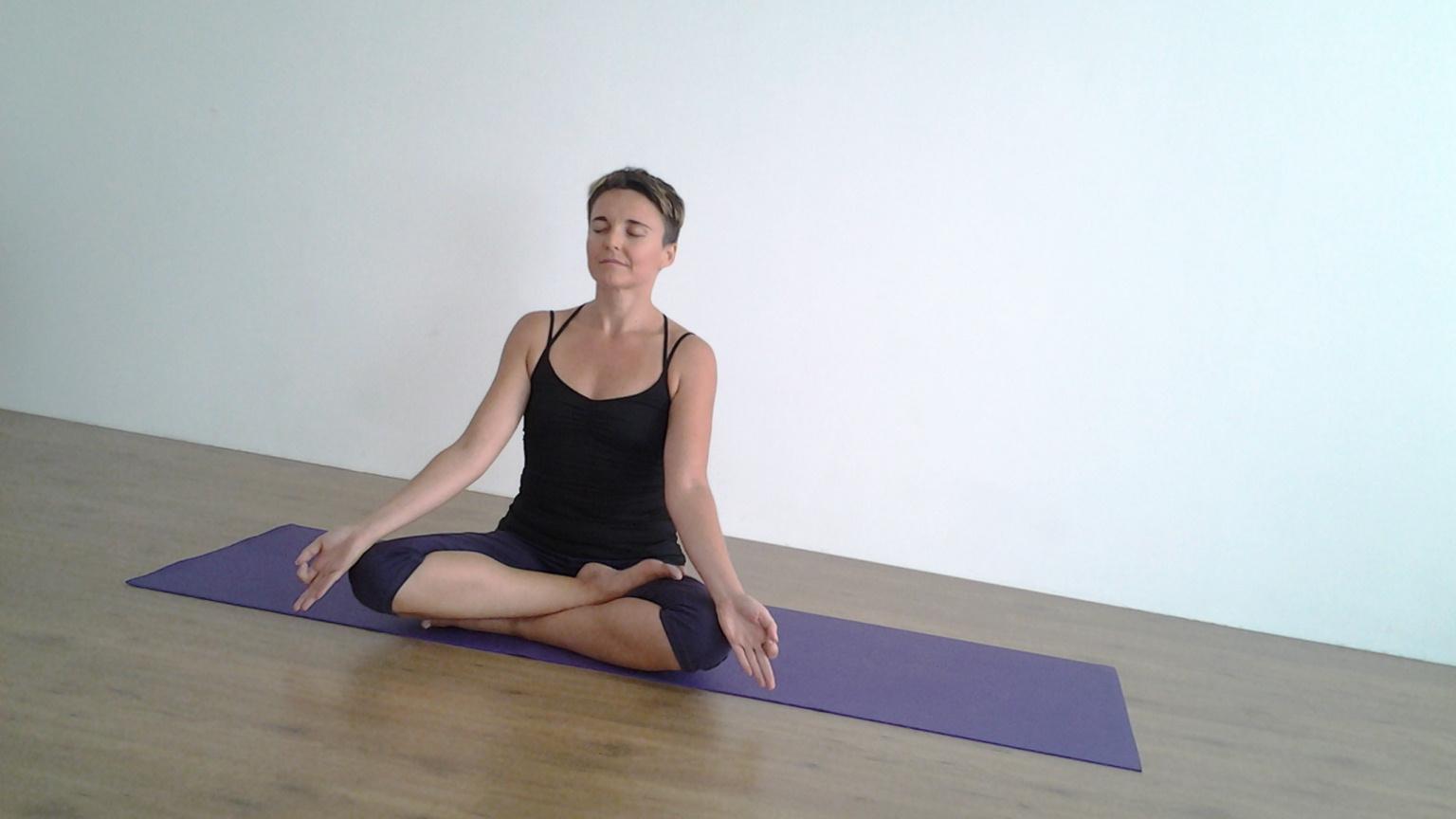 yoga-online-gratuito-sport-libertas-coni-lezioni-casa-@-home-cnsl-liguria-essere-benessere-salute-alassio-free-insegno-lucia-ragazzi-pizzorno-musacchia