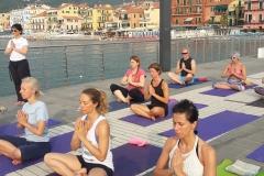 essere-free-yoga-gratuito-benessere-per-tutti-village-citta-alassio-estate-lucia-ragazzi-summer-town-wellness-014