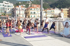essere-free-yoga-gratuito-benessere-per-tutti-village-citta-alassio-estate-lucia-ragazzi-summer-town-wellness-4