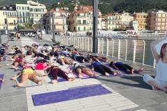 essere-free-yoga-gratuito-benessere-per-tutti-village-citta-alassio-estate-lucia-ragazzi-summer-town-wellness-5