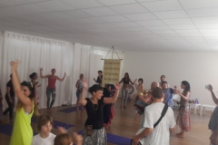 essere-free-yoga-gratuito-benessere-per-tutti-village-citta-alassio-estate-lucia-ragazzi-summer-town-bhakti-guru-swami-1