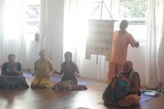 essere-free-yoga-gratuito-benessere-per-tutti-village-citta-alassio-estate-lucia-ragazzi-summer-town-bhakti-guru-swami-3