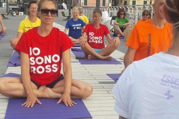 Alassio-united-colors-of-yoga-free-gratuito-per-tutti-festa-colori-lucia-ragazzi-essere-benessere-1