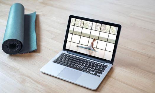 lezioni-yoga-online-a-casa-Yoga-@-Home-Essere-Yoga-e-Benessere-Alassio